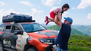 To nečekáte! Uprostřed Zakarpatské Ukrajiny je každý druhý vůz mimo silnici český off-road