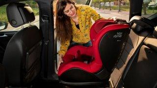 I dětské autosedačky mají maximální dobu trvanlivosti. Hodně rodičů to vůbec netuší