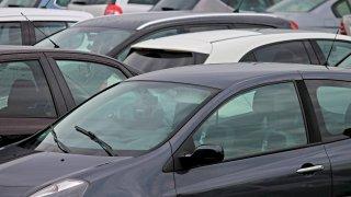 Prodej nových aut: Češi jsou čím dál větší vlastenci, úspěch slaví hlavně vozy vyrobené v tuzemsku