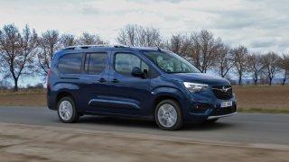Tři měsíce, dva řidiči. Testovali jsme pracovní i rodinný Opel Combo Life XL