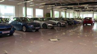 Autobazar: Škoda Karoq vs. Seat Ateca