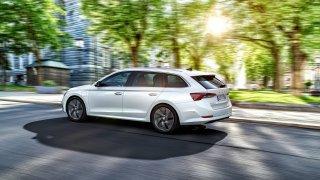 Škoda odtajnila ceny nové Octavie. Zatím prodává pouze kombík se čtyřválcovým motorem od 636 900 Kč