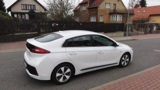 Hyundai Ioniq PHEV - exteriér 1